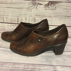 Earth Origins Marla 2 Brown Leather bootie clogs
